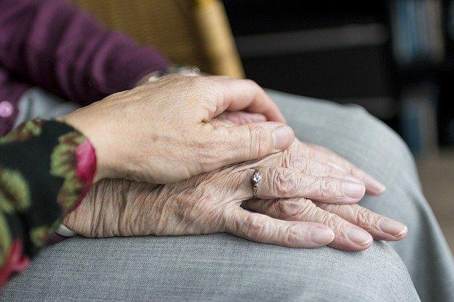 Interacciones sociales para garantizar la calidad de vida en las personas mayores